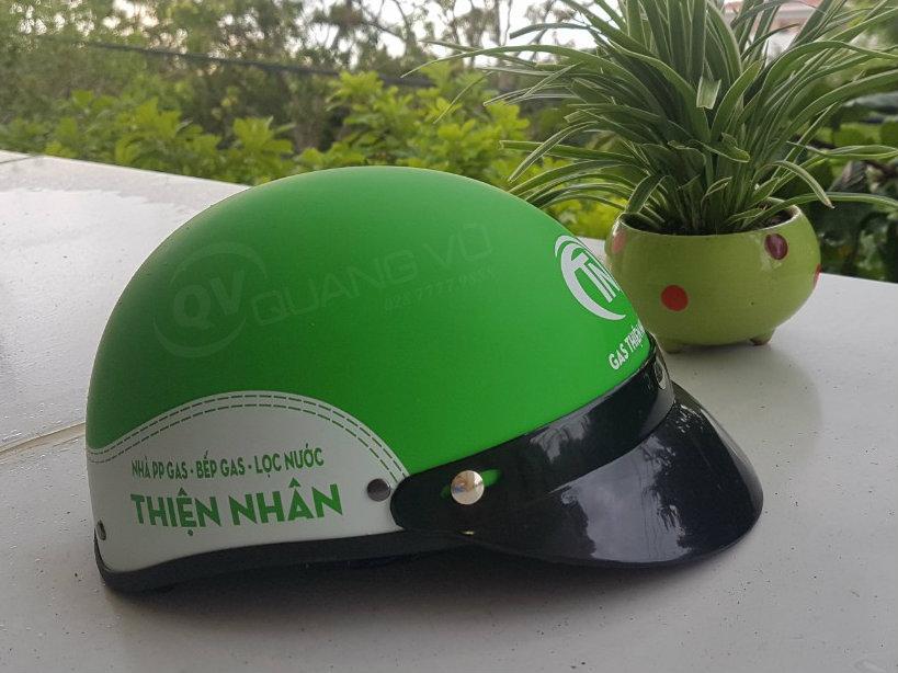 Mũ bảo hiểm- quà tặng quảng cáo thương hiệu khôn ngoan