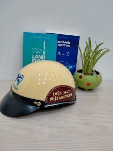 Ưu điểm tối ưu của mũ bảo hiểm in thông tin